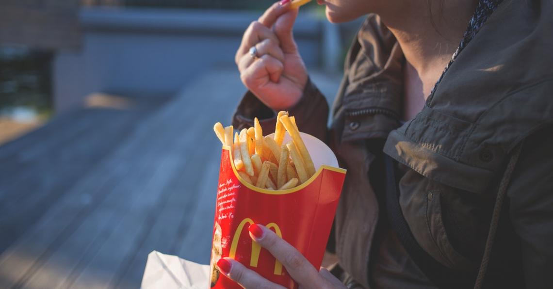 Zaměstnanci hodnotí práci ve fast foodech