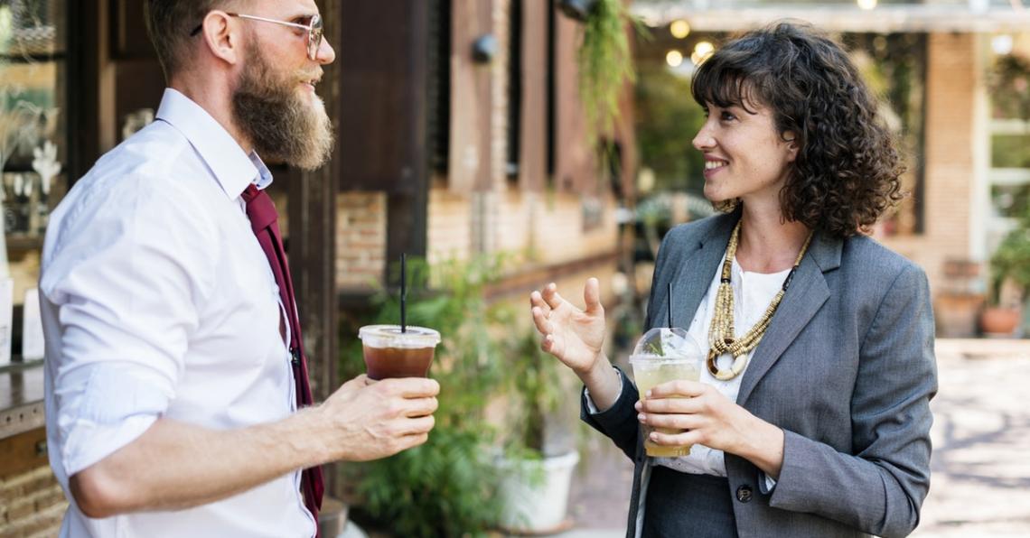 Pro a proti: Chcete vědět kolik peněz berou kolegové?