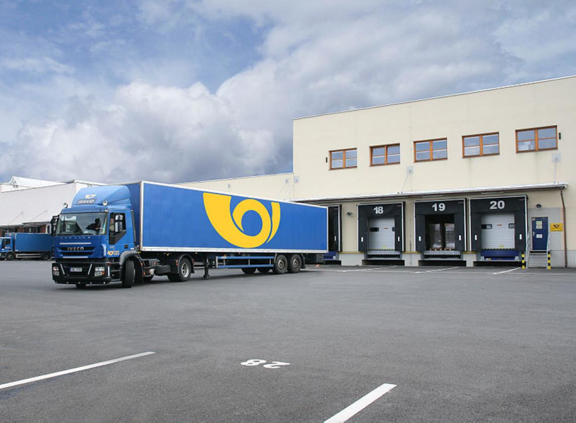 Česká pošta: Jaké má zisky a hodnocení zaměstnanců?