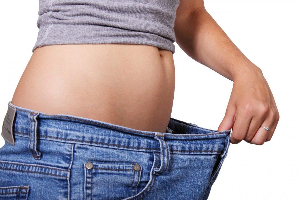 Postava - hubnutí - jak rychle zhubnout - břicho - stehna.