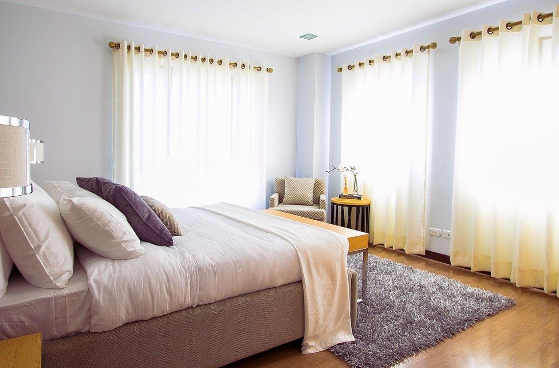 Postel - matrace - kvalitní spánek - ložnice.