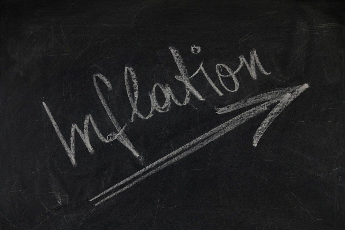 Kolik nám bere inflace každý rok peněz_tabule