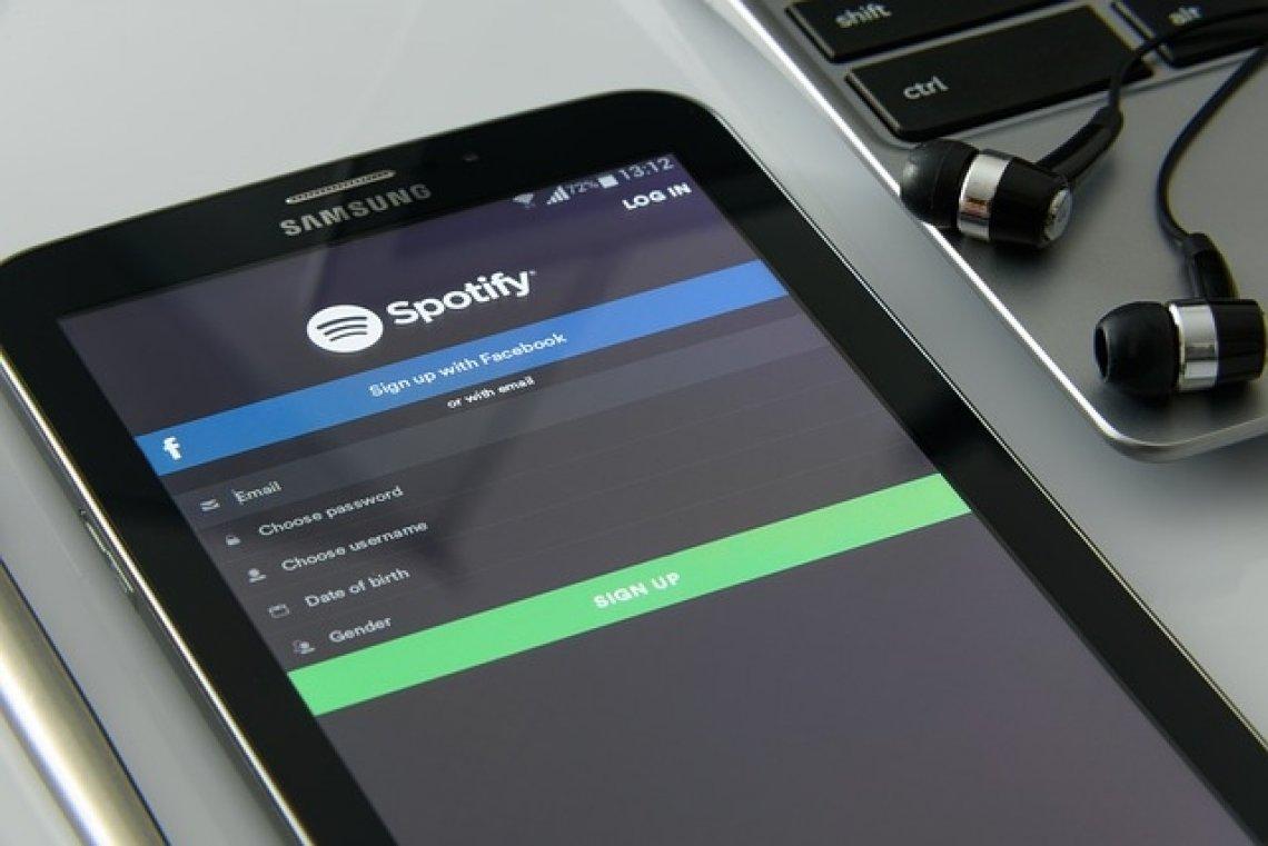 nejlepší české a zahraniční podcasty - spotify