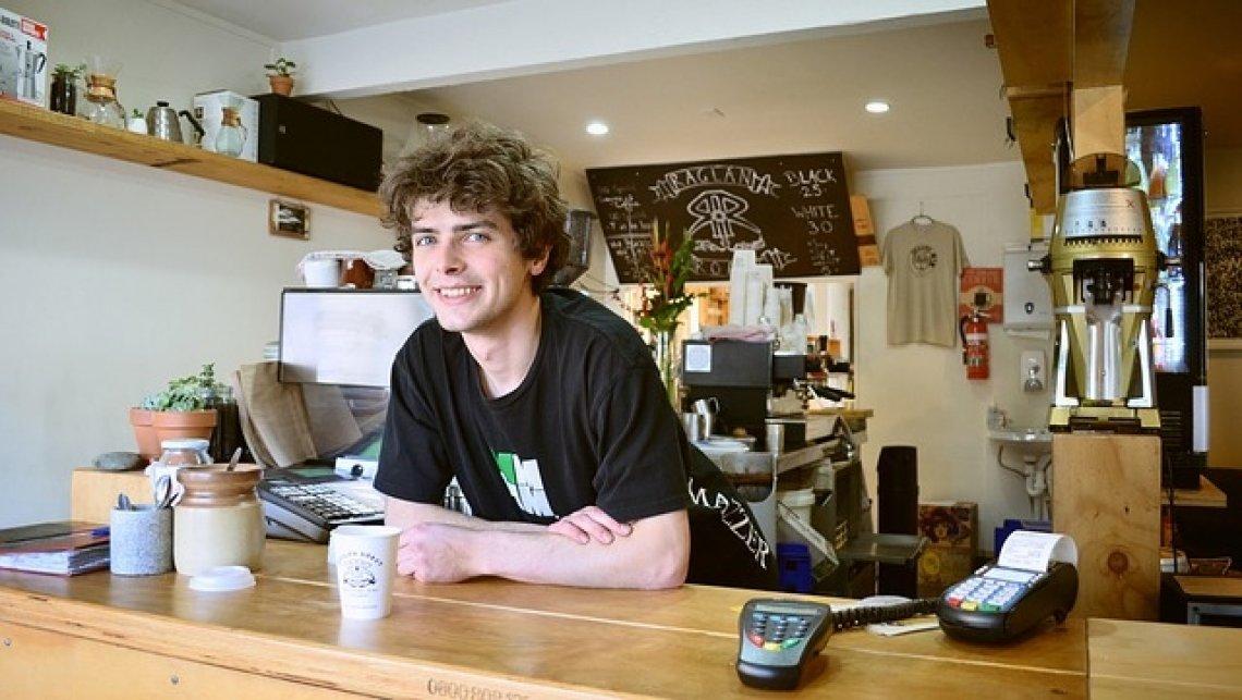 Práce v USA:gastronomie, číšník, kavárna