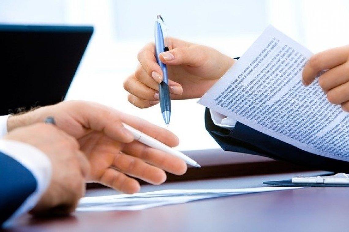 Pracovní smlouva - smlouva na dobu určitou, podpis smlouvy