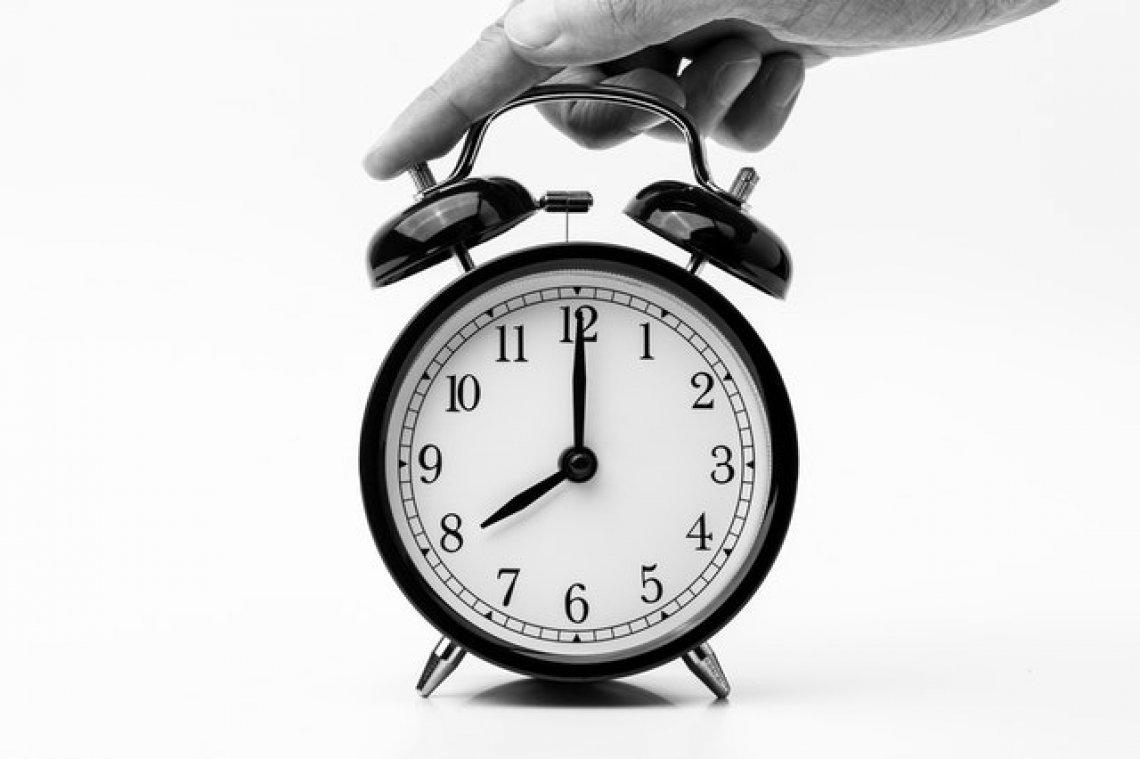 Změna času, budík, hodiny