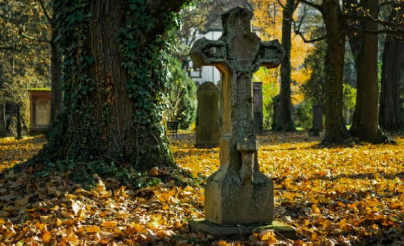 Smrt zaměstnance: Jak je to s nevyplacenou mzdou?