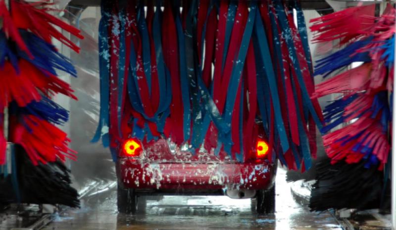 Benzina a její nová aplikace na mytí aut
