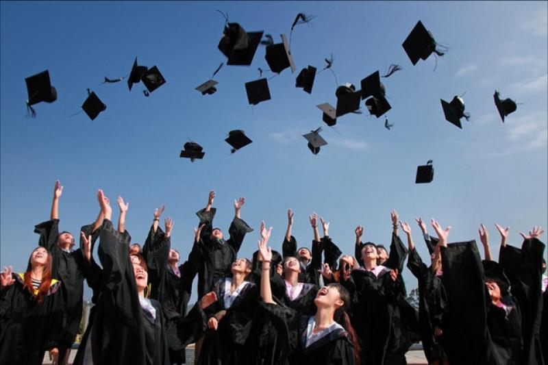 Sociální a zdravotní pro absolventy