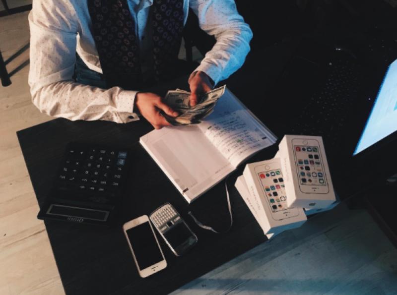 V jakých oborech jsou nejvyšší platy?