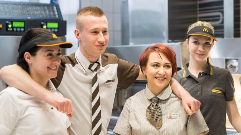 Sladit brigádu se školou, koníčky i ambiciózními cíli? V McDonaldu možné!