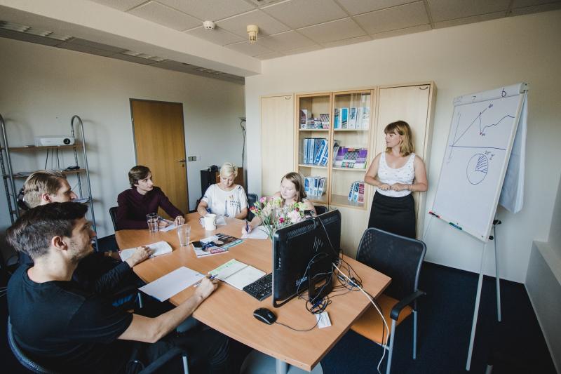 Spojení práce a vzdělávání? V Nakladatelství FORUM máte příležitost