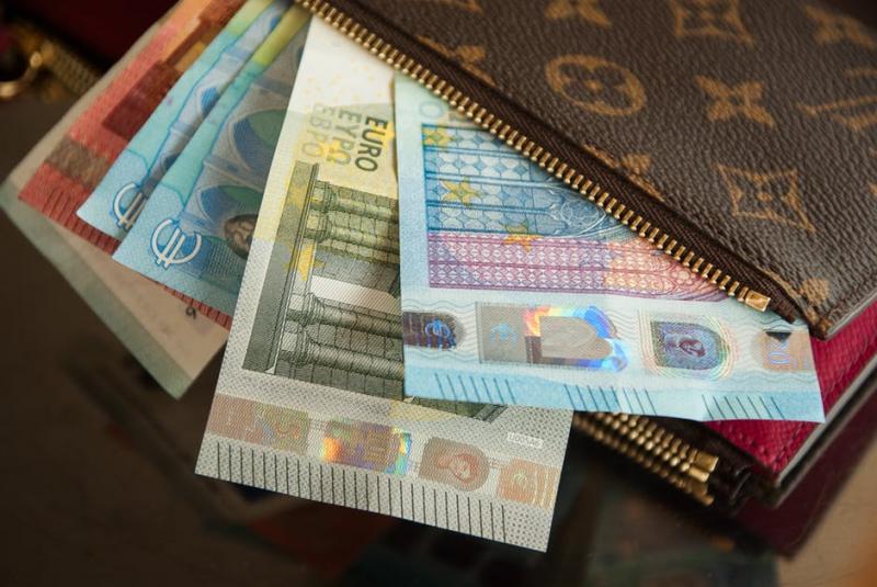 Dluh u zaměstnavatele? Jaká může být srážka ze mzdy