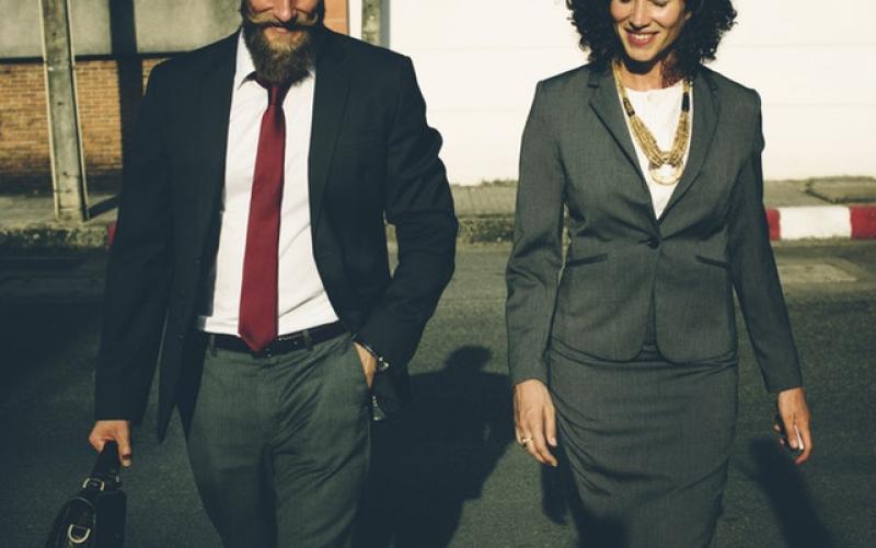 Rozdíly v platech mužů a žen jsou často diskutovaným tématem