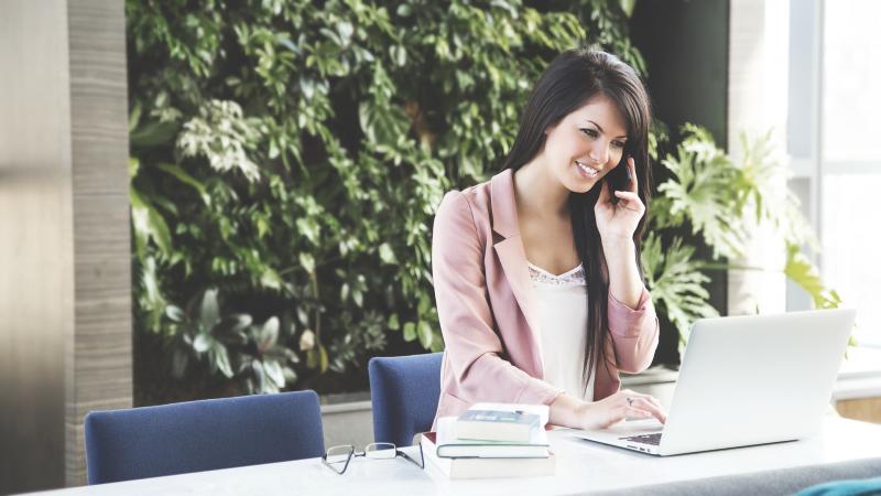Úspěch v práci: 8 rychlých tipů, jak být v práci šťastnější