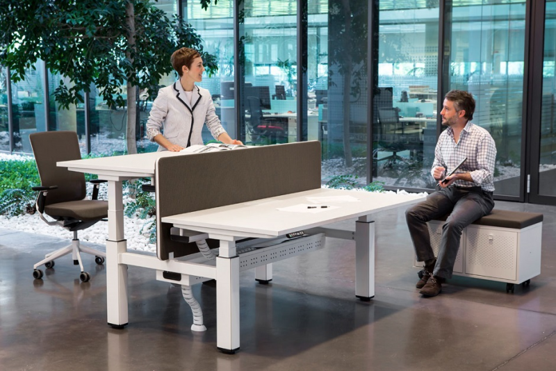 Správné rozestavení nábytku v práci zvyšuje výkonnost a spokojenost zaměstnanců