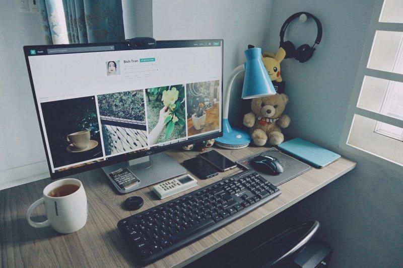 Jak vybrat kancelářský pracovní stůl_PC