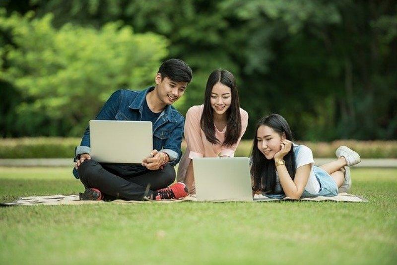 Mladiství - půjčky pro mladé, půjčky na bydlení