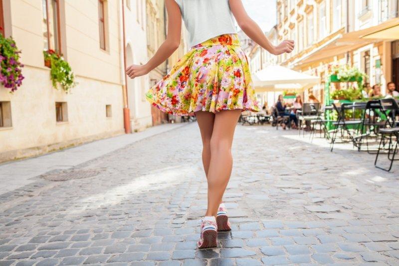 Jaké zvolit boty k sukni na léto