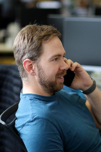 Jan Sladovník, telefon, rozhovor.