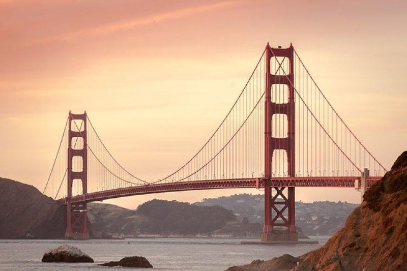Práce v USA: work and travel, golden gate bridge