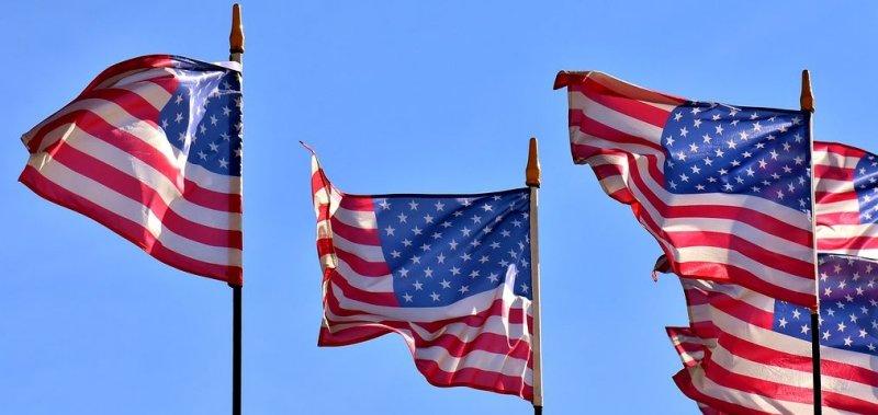 Plat v USA aneb jaká je minimální a jaká průměrná mzda ve Spojených státech?